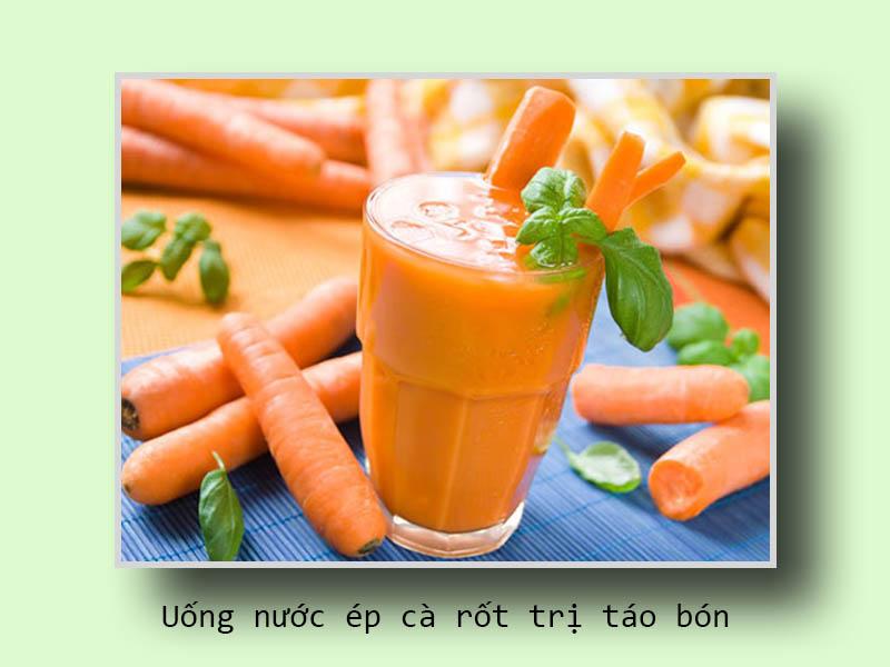 Uống nước ép cà rốt trị táo bón