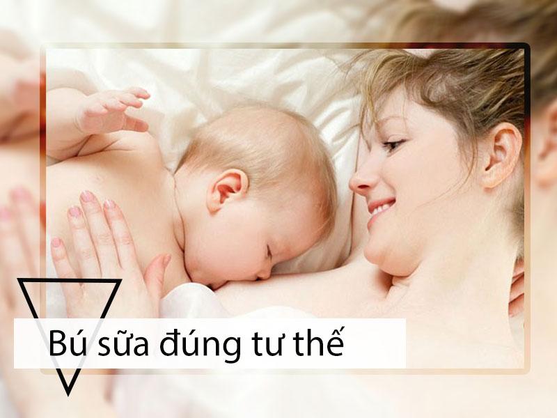 Cho trẻ bú sữa đúng tư thế để tránh trào ngược dạ dày thực quản