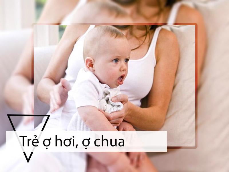 Thường xuyên bị ợ hơi, ợ chua là dấu hiệu nhận biết trẻ bị trào ngược dạ dày thực quản ở trẻ